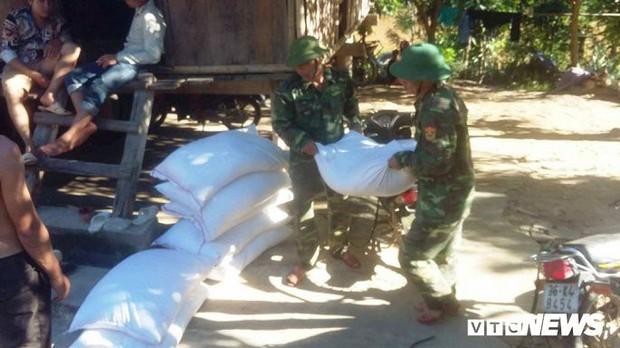 Mưa lũ, sạt lở kinh hoàng ở Thanh Hoá: Hàng nghìn dân Mường Lát thiếu lương thực - Ảnh 4.