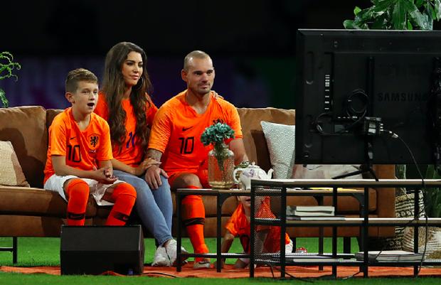 Huyền thoại bóng đá Hà Lan được tri ân theo cách hy hữu - Ảnh 7.