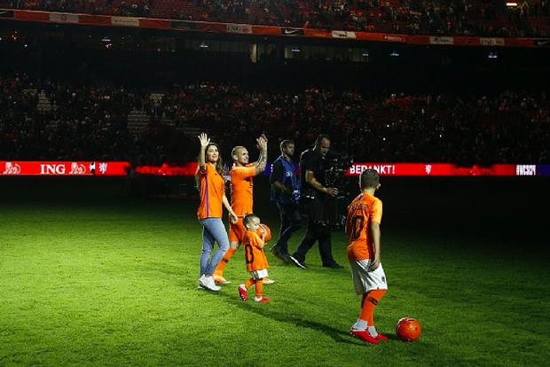 Huyền thoại bóng đá Hà Lan được tri ân theo cách hy hữu - Ảnh 3.