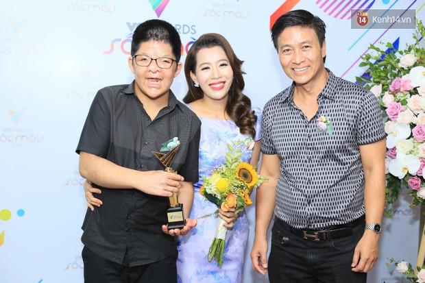 Thảm đỏ VTV Awards 2018: Dàn sao Việt lộng lẫy hội ngộ, Nhã Phương liên tục tạo dáng dùng tay che vòng 2 - Ảnh 14.