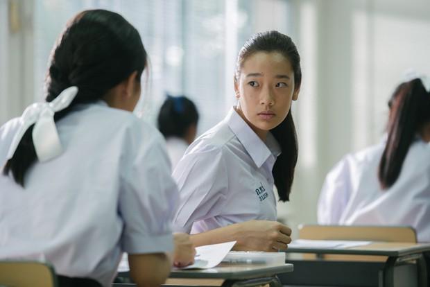 Nam sinh trong phim Việt Nam còn quay cóp bạo gan hơn cả hội thiên tài bất hảo Bad Genius - Ảnh 4.