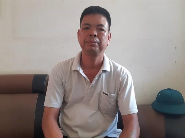Nặng lòng tâm sự của thầy giáo 30 năm cắm bản, nơi học sinh chui nilon vượt suối đến trường - Ảnh 2.