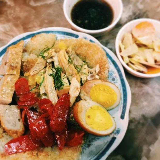 Thời tiết Hà Nội đang chuyển lạnh, dắt nhau đi ăn một loạt món xôi nóng hổi bán đêm muộn thì thích phải biết - Ảnh 7.