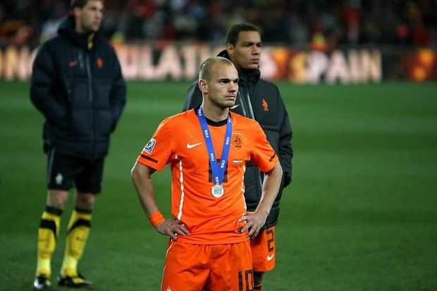 Huyền thoại bóng đá Hà Lan được tri ân theo cách hy hữu - Ảnh 8.