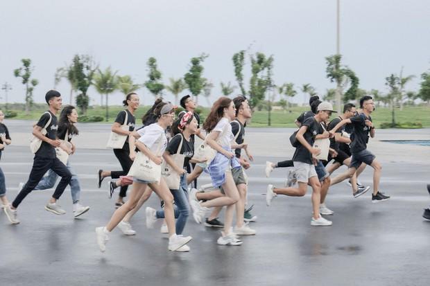 Hoa Hậu Rich Kids Jolie Nguyễn đi du lịch: không còn sang chảnh, chịu chơi và chịu lầy hơn để sống đúng với thanh xuân của mình - Ảnh 4.