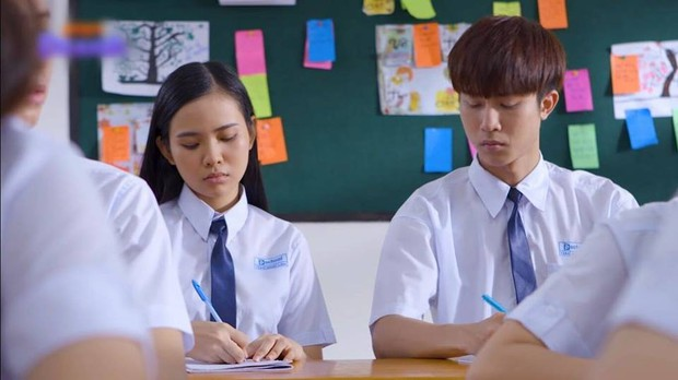 Nam sinh trong phim Việt Nam còn quay cóp bạo gan hơn cả hội thiên tài bất hảo Bad Genius - Ảnh 5.