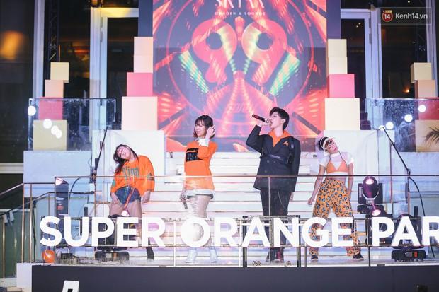 Min, Erik tái hiện màn song ca đình đám, đốt cháy đêm tiệc Orange Party của Shopee - Ảnh 5.