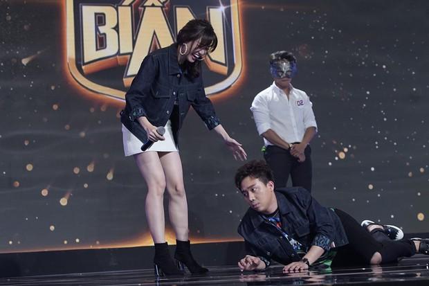Không chỉ quá sõi tiếng Việt, giờ đây Hari Won còn liên tục gài hàng Trấn Thành trên sân khấu! - Ảnh 3.