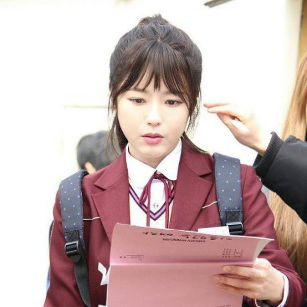 Có 7 mỹ nhân Hàn thuộc hàng U30, U40 nhưng mặc đồng phục học sinh vẫn không bị lố - Ảnh 21.