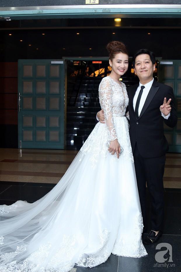 Showbiz Việt cũng đã có không ít những cặp đôi nên duyên từ phim giả tình thật - Ảnh 12.