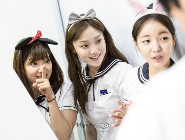 Có 7 mỹ nhân Hàn thuộc hàng U30, U40 nhưng mặc đồng phục học sinh vẫn không bị lố - Ảnh 16.