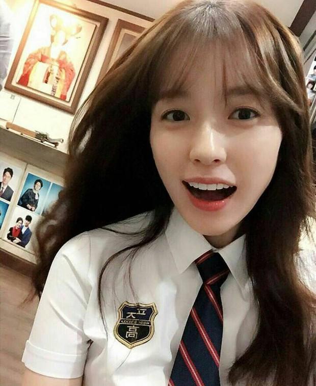 Có 7 mỹ nhân Hàn thuộc hàng U30, U40 nhưng mặc đồng phục học sinh vẫn không bị lố - Ảnh 19.