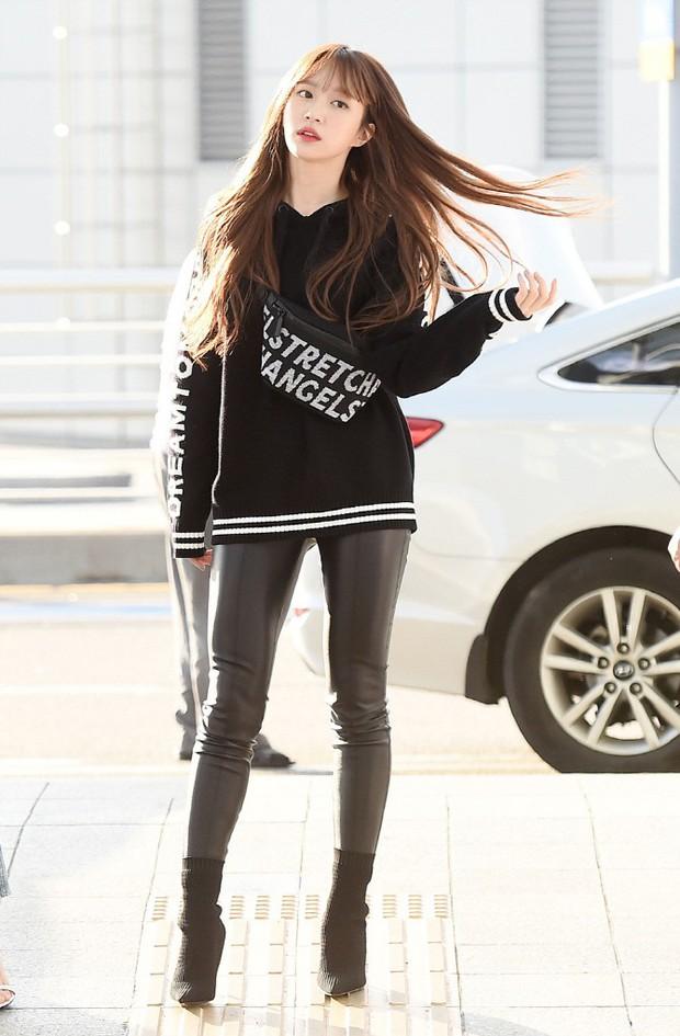 Màn đọ sắc khủng nhất tại sân bay: Black Pink đẹp miễn chê, Hani khoe body thần thánh bên EXID, Lee Jong Suk - Ảnh 15.