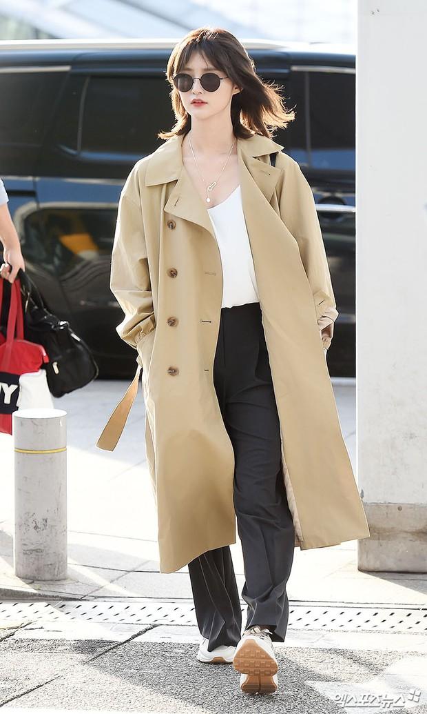 Màn đọ sắc khủng nhất tại sân bay: Black Pink đẹp miễn chê, Hani khoe body thần thánh bên EXID, Lee Jong Suk - Ảnh 18.
