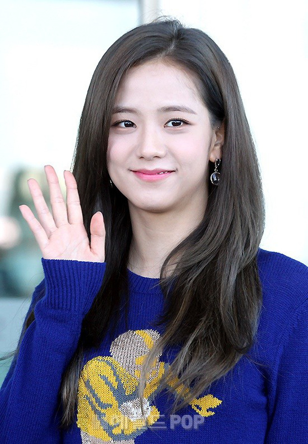 Màn đọ sắc khủng nhất tại sân bay: Black Pink đẹp miễn chê, Hani khoe body thần thánh bên EXID, Lee Jong Suk - Ảnh 7.