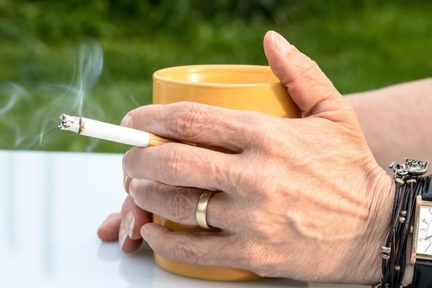 Tầm soát ung thư phổi ngay khi có các dấu hiệu này để tăng hiệu quả trong điều trị - Ảnh 2.