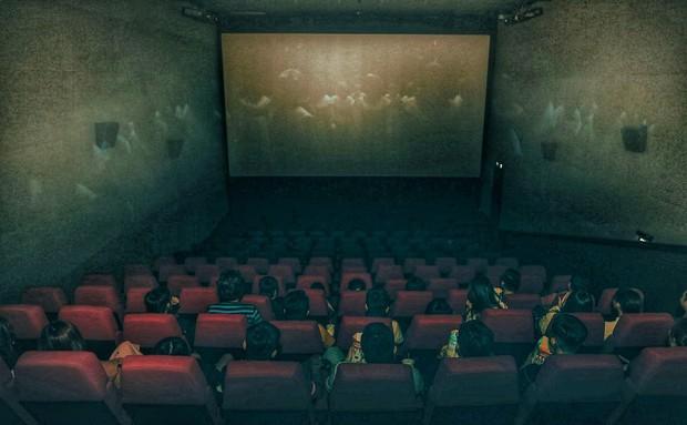 Đến gần Ác Quỷ Ma Sơ thêm chút nữa tại rạp chiếu 3 màn hình ScreenX - Ảnh 1.