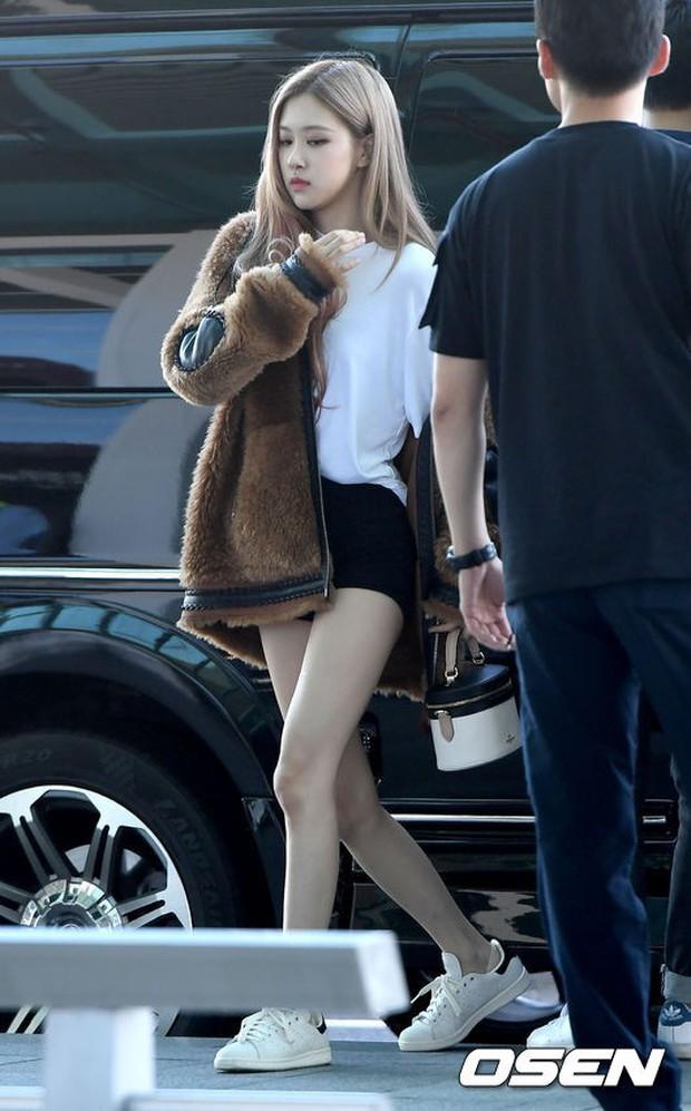 Màn đọ sắc khủng nhất tại sân bay: Black Pink đẹp miễn chê, Hani khoe body thần thánh bên EXID, Lee Jong Suk - Ảnh 8.