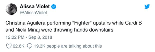 Loạt clip chế và bình luận vui đừng hỏi về vụ Cardi B đánh nhau tung giời với Nicki Minaj giữa sự kiện - Ảnh 2.