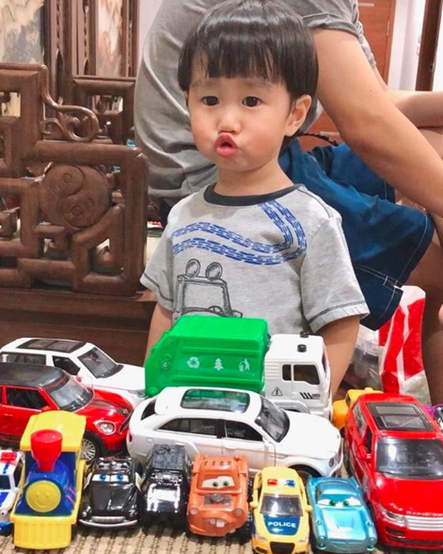 Tan chảy trước loạt biểu cảm cưng không chịu được của Xoài - em bé hot nhất Instagram Việt - Ảnh 9.