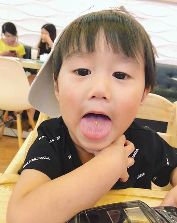 Tan chảy trước loạt biểu cảm cưng không chịu được của Xoài - em bé hot nhất Instagram Việt - Ảnh 26.