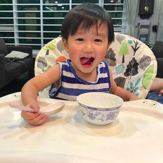 Tan chảy trước loạt biểu cảm cưng không chịu được của Xoài - em bé hot nhất Instagram Việt - Ảnh 38.