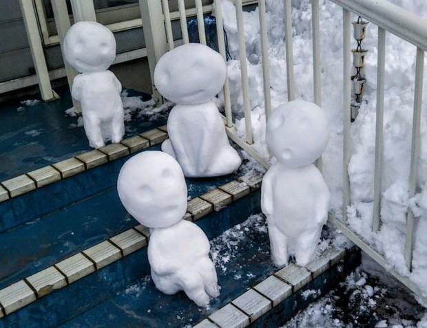 Tuyết rơi dày kỷ lục ở Nhật Bản, người dân đã vô tình tạc nên những bức tượng đẹp tới không ngờ - Ảnh 13.
