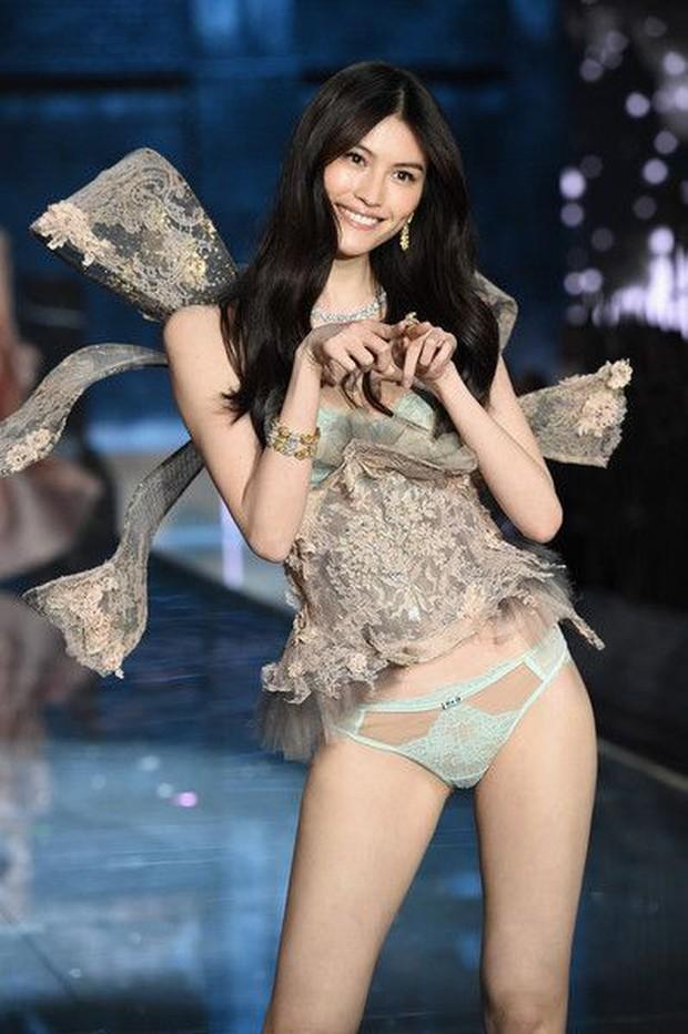 Chân dài Victorias Secret đình đám Sui He bất ngờ khoe loạt ảnh gợi cảm tại Nha Trang - Ảnh 12.