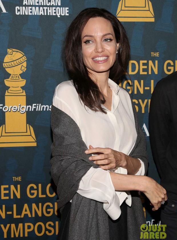 Sút cân quá nhiều, Angelina Jolie bốc lửa năm nào giờ trở nên xanh xao, hốc hác trên thảm đỏ - Ảnh 3.
