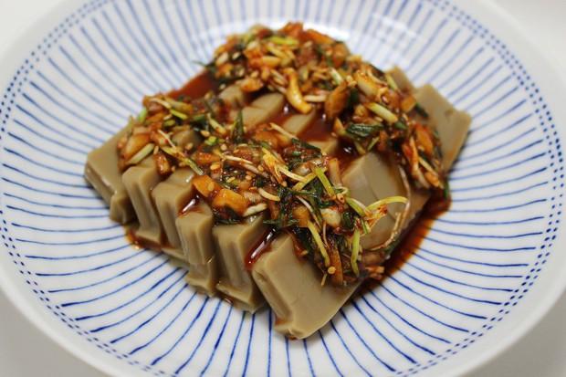 Hàn Quốc có một món thạch rất thú vị được làm từ... thức ăn của sóc - Ảnh 7.