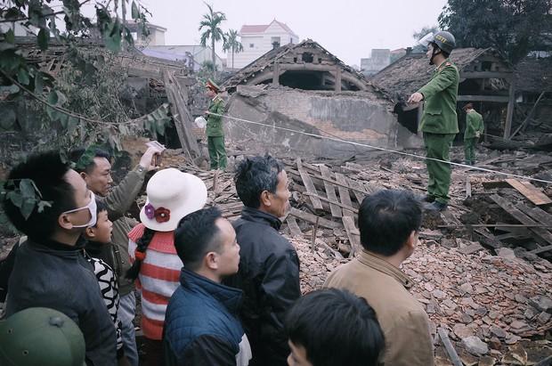 Chùm ảnh một ngày sau vụ nổ kinh hoàng ở Bắc Ninh: Làng Quan Độ tan tác, người dân sống trong sợ hãi - Ảnh 11.