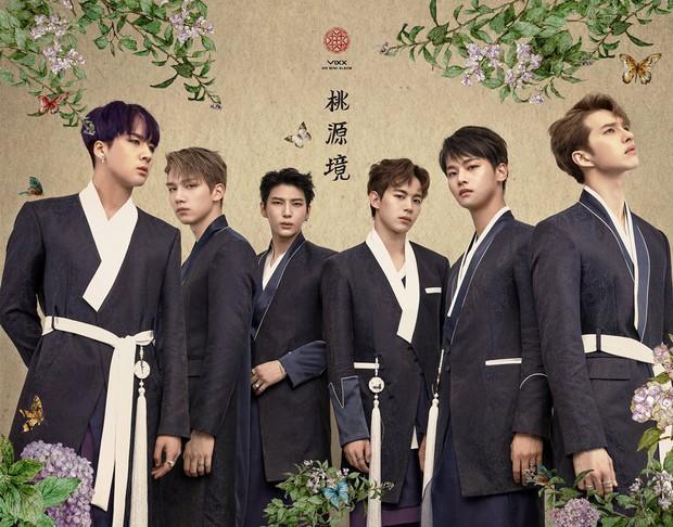 Không chỉ có scandal, các sao Hàn còn có 11 cột mốc thời trang đáng nhớ trong suốt năm qua - Ảnh 7.