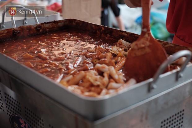 Sài Gòn: Hội không ăn cay rất thích điều này - xuất hiện tokbokki sữa cực lạ miệng nhé! - Ảnh 1.