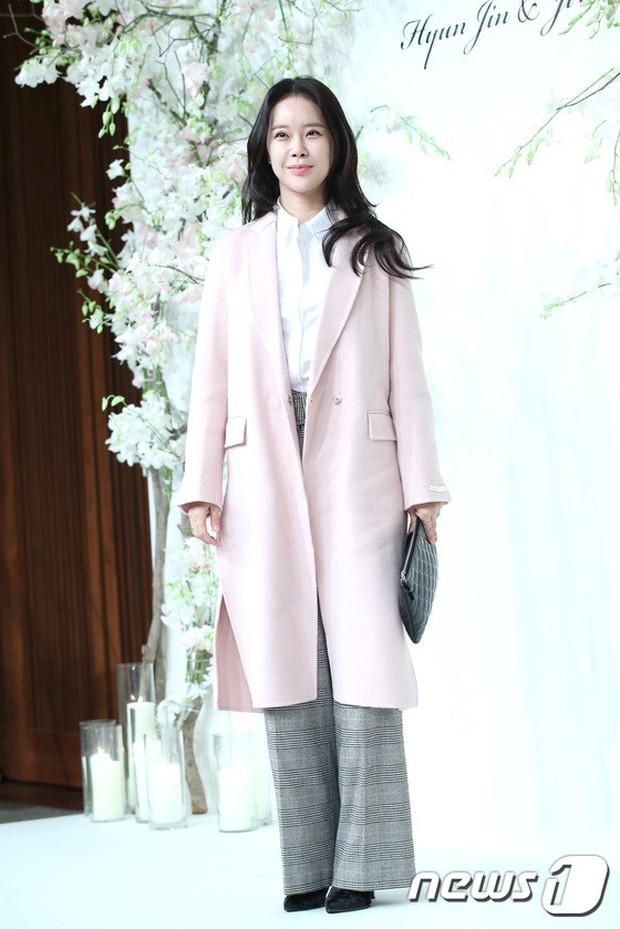 Đám cưới hội tụ toàn sao khủng: Lee Kwang Soo bỗng điển trai, Phạm Băng Băng Hàn Quốc bị mỹ nhân vô danh đè bẹp - Ảnh 19.