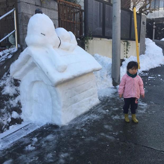 Tuyết rơi dày kỷ lục ở Nhật Bản, người dân đã vô tình tạc nên những bức tượng đẹp tới không ngờ - Ảnh 7.