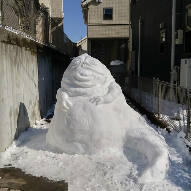 Tuyết rơi dày kỷ lục ở Nhật Bản, người dân đã vô tình tạc nên những bức tượng đẹp tới không ngờ - Ảnh 23.