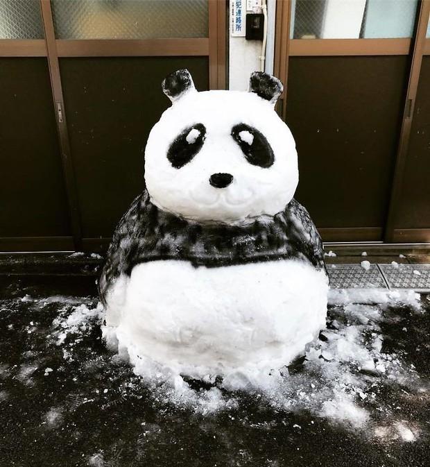 Tuyết rơi dày kỷ lục ở Nhật Bản, người dân đã vô tình tạc nên những bức tượng đẹp tới không ngờ - Ảnh 21.