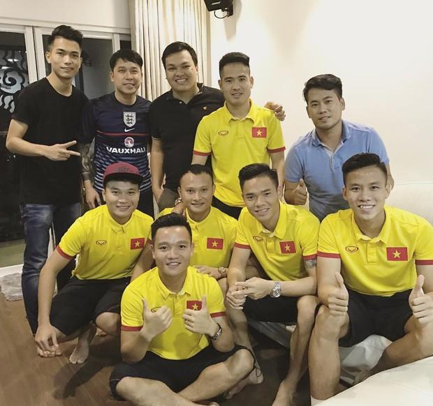 U23 có dàn cầu thủ đẹp trai như hot boy, còn đây là khi hot boy Việt mặc quần đùi áo số! - Ảnh 18.