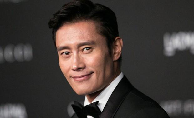 Vừa giống tài tử châu Á Lee Byung Hun, vừa na ná Nhan Phúc Vinh, Bùi Tiến Dũng đi làm diễn viên đi anh ơi! - Ảnh 4.
