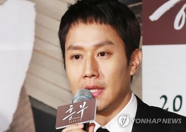 Sao Reply 1994 nén nước mắt khi nói về cố diễn viên Kim Joo Hyuk - Ảnh 2.