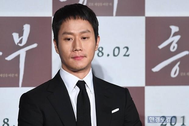 Sao Reply 1994 nén nước mắt khi nói về cố diễn viên Kim Joo Hyuk - Ảnh 4.