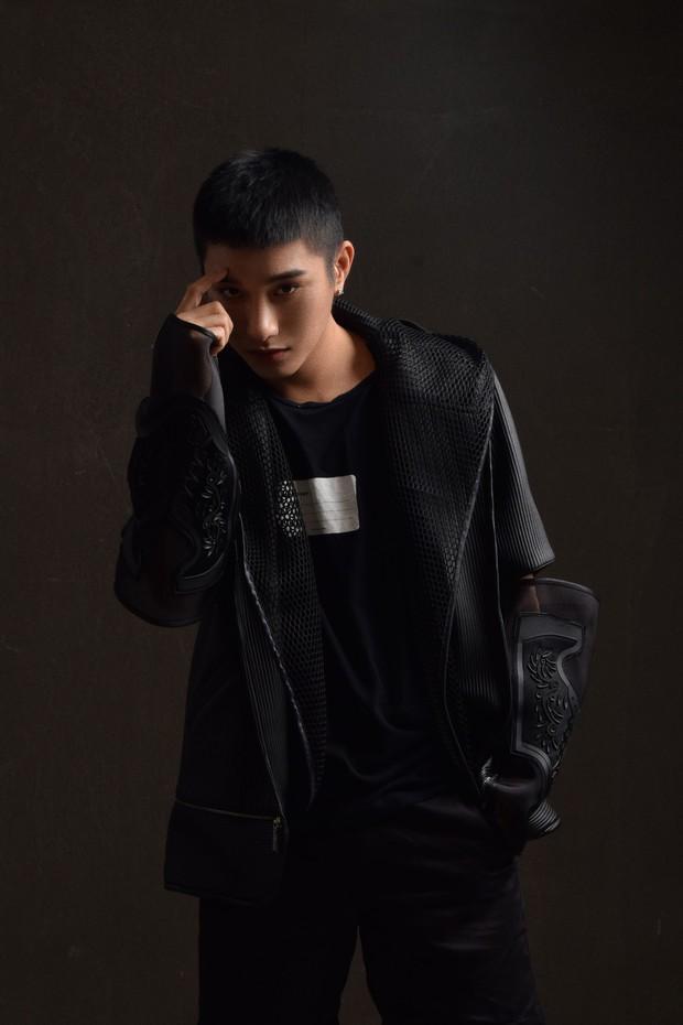 Không còn là hot boy đậm màu sắc Kpop, Juun Đăng Dũng hướng đến hình ảnh lãng tử trong MV mới - Ảnh 6.
