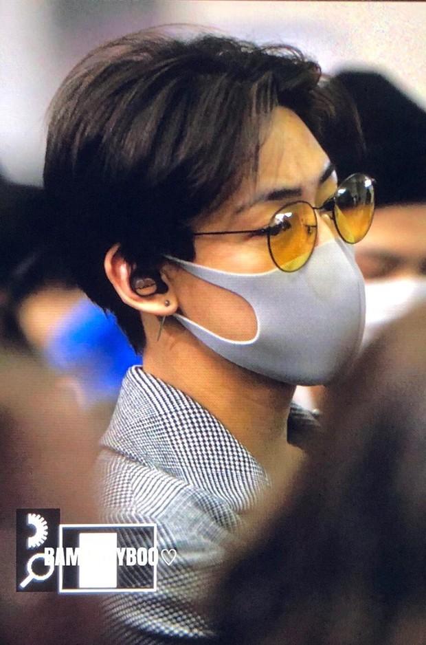 GOT7 tại sân bay Hàn sang Việt Nam: Bambam sành điệu, JB và Jinyoung bịt khẩu trang vẫn điển trai khó cưỡng - Ảnh 8.