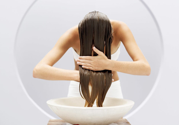Gội đầu sạch mà tóc vẫn gàu chắc hẳn là vì những lý do này đây - Ảnh 3.