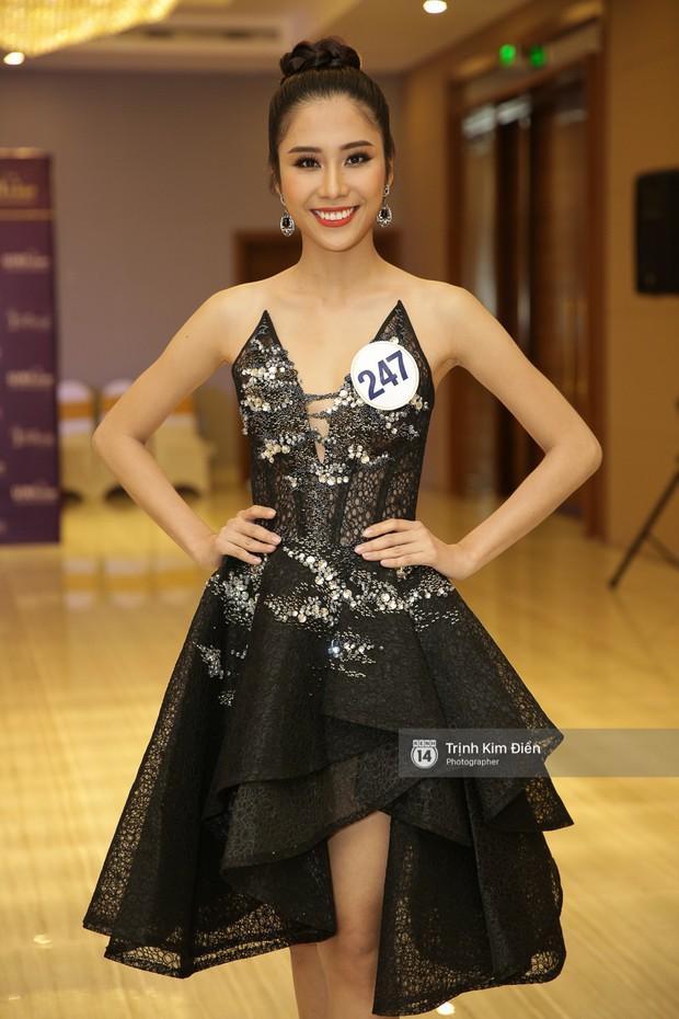 42 thí sinh Hoa hậu Hoàn vũ VN xuất hiện rạng rỡ tại họp báo, BTC công bố vương miện dành riêng cho Á hậu - Ảnh 18.