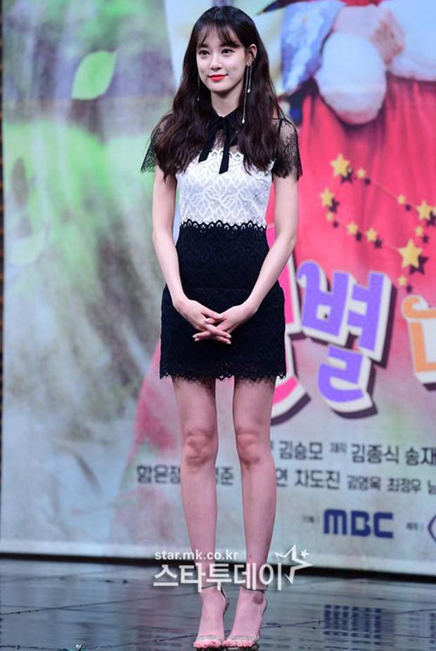 Là bạn gái G-Dragon nhưng Lee Joo Yeon chỉ trung thành với đồ basic thôi - Ảnh 14.