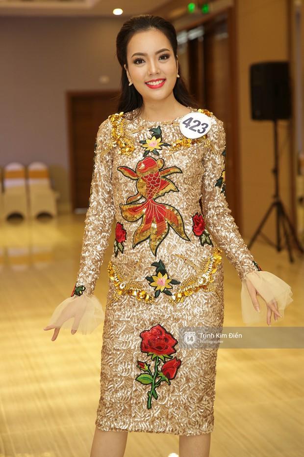 42 thí sinh Hoa hậu Hoàn vũ VN xuất hiện rạng rỡ tại họp báo, BTC công bố vương miện dành riêng cho Á hậu - Ảnh 14.