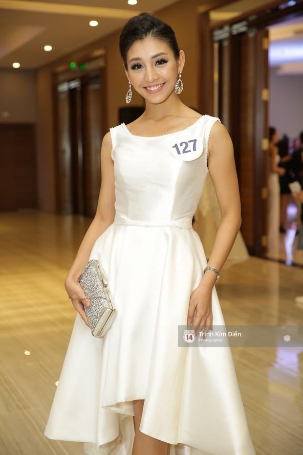 42 thí sinh Hoa hậu Hoàn vũ VN xuất hiện rạng rỡ tại họp báo, BTC công bố vương miện dành riêng cho Á hậu - Ảnh 5.