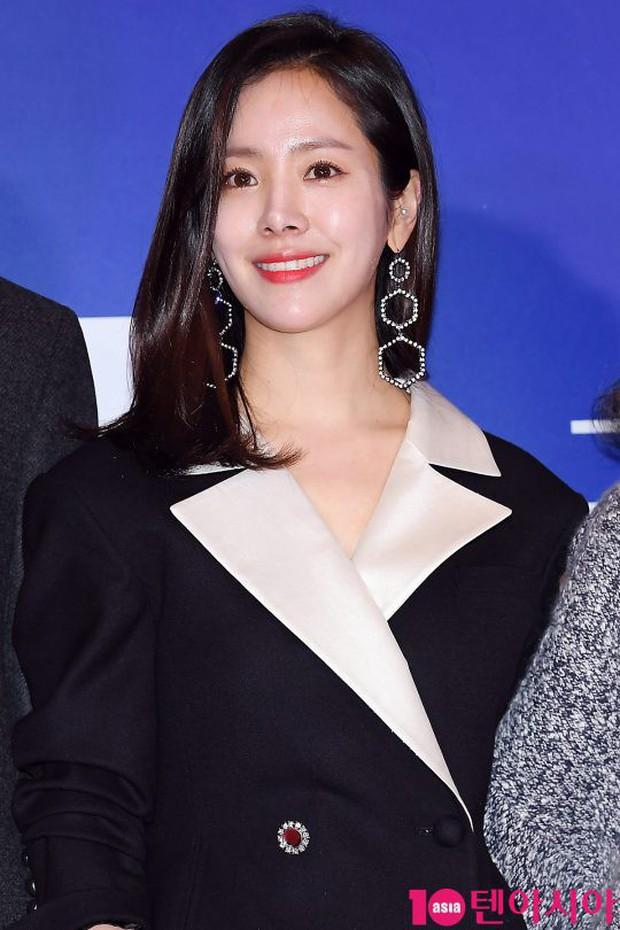 Tài tử Lee Byung Hun mời cả nửa làng giải trí đến sự kiện: SNSD thảm hại trước quân đoàn Hoa hậu, mỹ nhân - Ảnh 3.