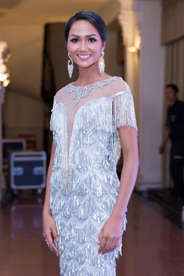 Thật may: Kể từ khi đăng quang đến nay, Hoa hậu HHen Niê chưa lần nào mặc lỗi! - Ảnh 8.